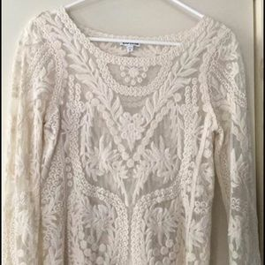 Lace 3/4 length sleeve top - XS Express